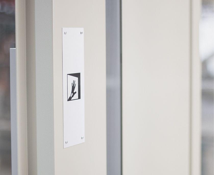pedro-barbera-ima1-puertas-semiautomaticas-ascensor